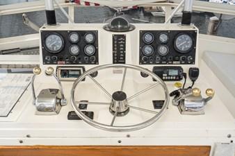 BUENA VIDA 5 BUENA VIDA 1987 VIKING Convertible Sport Fisherman Yacht MLS #273796 5