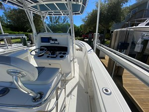 FL5041RX 1 2002 Boston Whaler 270 Outrage -  Forward Starboard Side