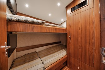 CHARMER 10 Guest Stateroom