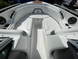 Monterey 22 2015  7 Monterey 22 2015  2015 MONTEREY  Motor Yacht Yacht MLS #273825 7