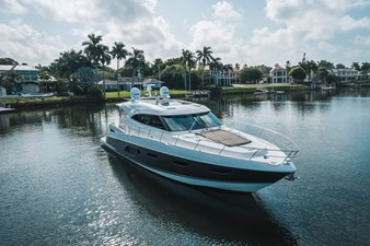 2015 Riviera 6000 Sport Yacht Rumours 1 2015 Riviera 6000 Sport Yacht Rumours 2015 RIVIERA 6000 Sport Yacht Sport Yacht Yacht MLS #273827 1