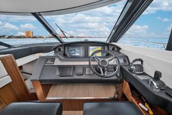 2015 Riviera 6000 Sport Yacht Rumours 18
