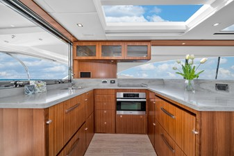 2015 Riviera 6000 Sport Yacht Rumours 12