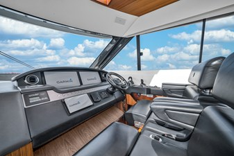 2015 Riviera 6000 Sport Yacht Rumours 17