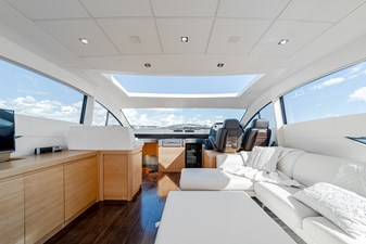 Aretecte 4 Main Salon - Overhead Forward Retractable Sunroof