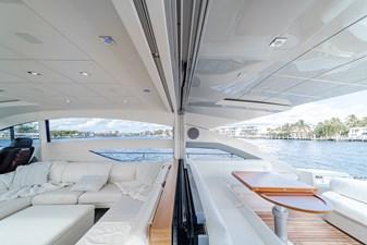 Aretecte 5 Salon - Seating to Starboard