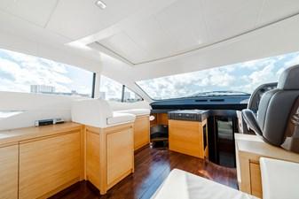 Aretecte 8 Salon - Ice Maker to Port Under Forward Bench Seat