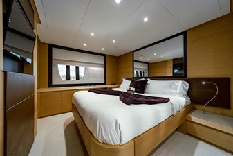 Aretecte 19 Porthole to Starboard and Port