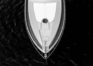 Aretecte 55 Bow-Foredeck View