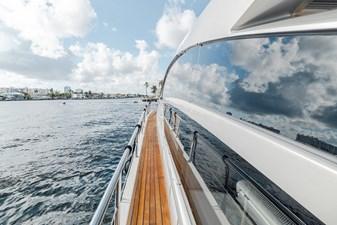 Aretecte 60 Fiberglass Deck with Teak Overlay on Side Decks
