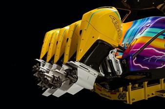 AURORIS 22 42Auroris-gallery-2021-1-kng-transom-painted-engines