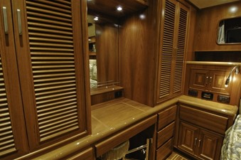 FLEMING 65 - NEW BUILD 14 Owners Stateroom Vanity