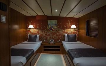 Twin Cabin 4