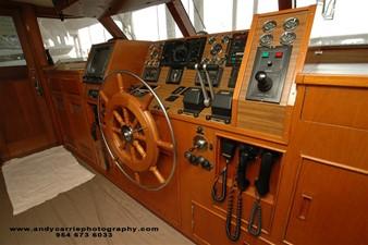 1986 86' Classic Burger Motor Yacht Helm