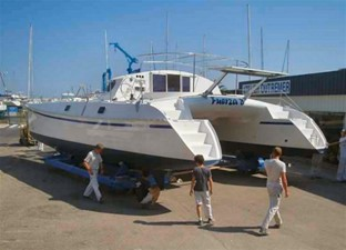 42' 2007 Outremer 42 5 Launch