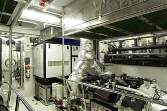 SEA LEGEND 26 Engine Room additional storage